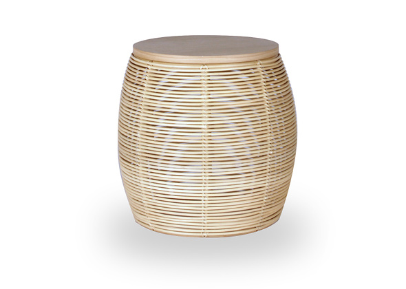 VS_SL2_TA6_VIVI SIDE TABLE_NATURAL VARNISH_RATTAN_OAK TOP_DIAM 38cm H 45cm_ €